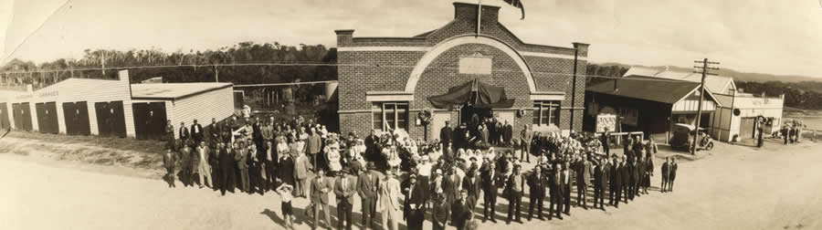 Anzac Day 1935 Panorama outside Narooma School of Arts Hall
